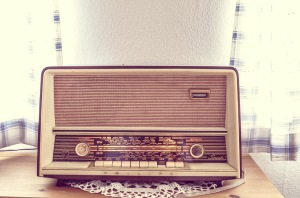 tube-radio-338511_1920