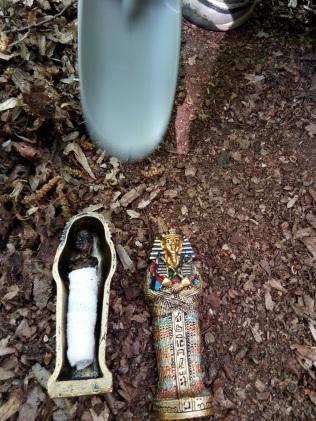 odkrywamy sarkofag