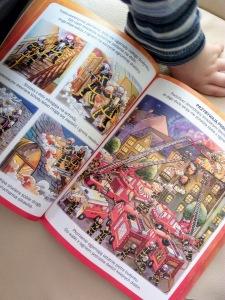 Książeczka o strażakach od dziadków